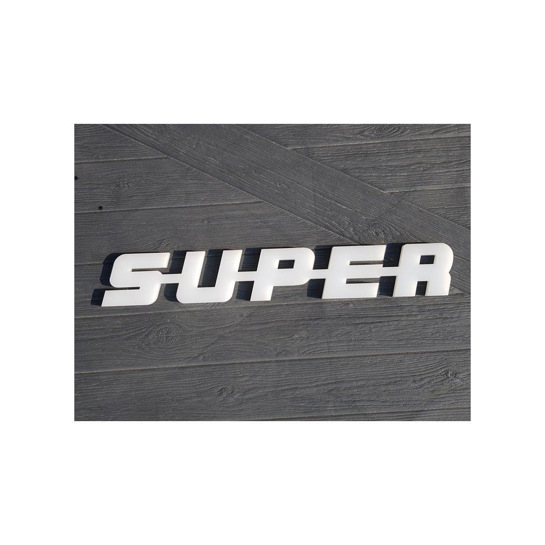 S-U-P-E-R plastový emblem napis SUPER Scania