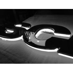 SCANIA bily podsvícený emblem LED na grill